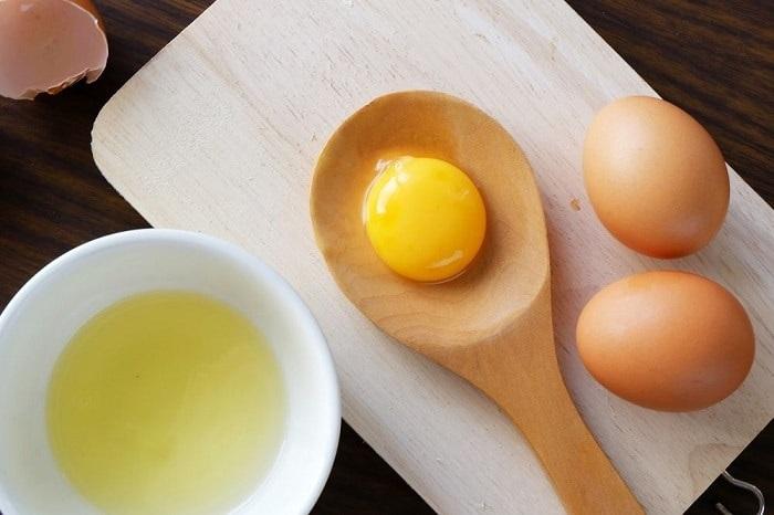 Mặt nạ lòng trắng trứng gà với mật ong
