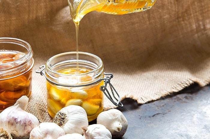 Tỏi ngâm mật ong giúp hạ huyết áp