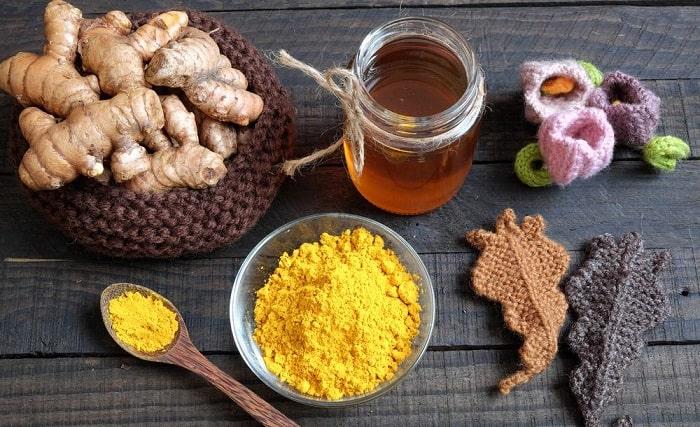 Chữa đau dạ dày bằng nghệ tươi ngâm mật ong